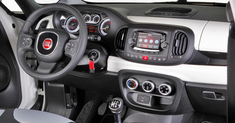 Fiat 500L. Modelo 2012.