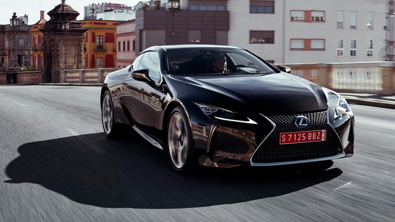 Lexus LC 2017. Imágenes exteriores.