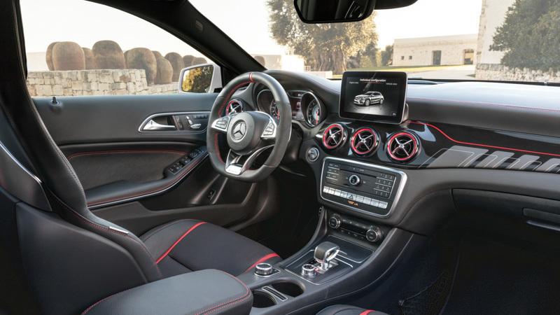 Mercedes-Benz GLA 2017. Imágenes interiores.