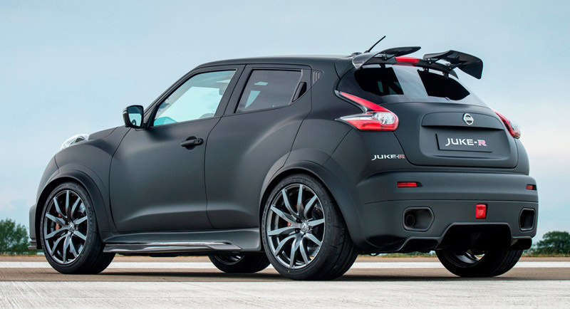 nissan-juke-r-2.0-lateral-posterior