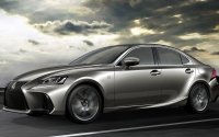 Lexus IS. Imágenes exteriores.