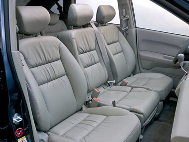 Honda FR-V 2.2 i-CDTI Interior