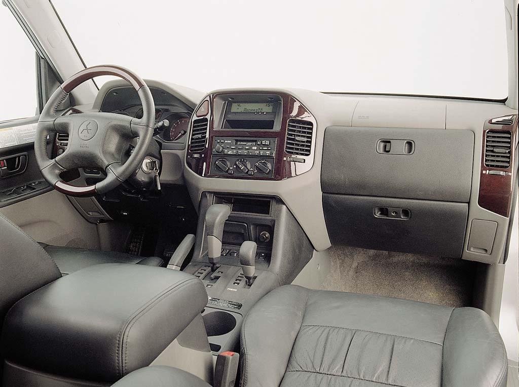 montero interior image - Mitsubishi Montero 2001 Interior